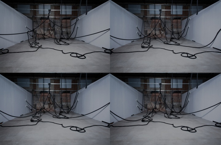 """2014年10月,""""黑侏儒/下""""展览现场"""