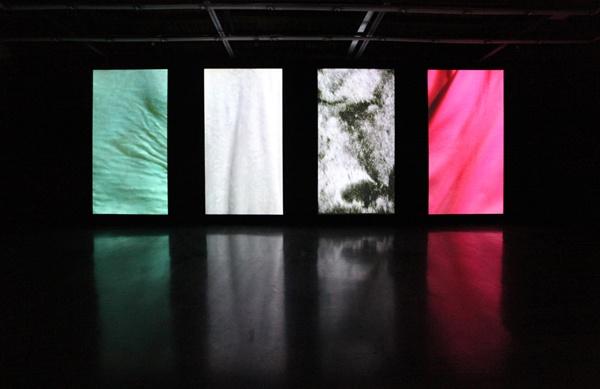 2010年,胡晓媛个展现场