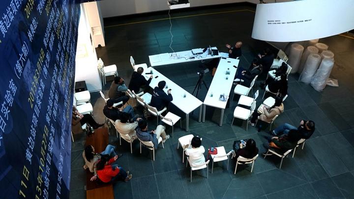 """广东美术馆05年广三""""珠三角实验室""""原展厅的讲座  2015"""