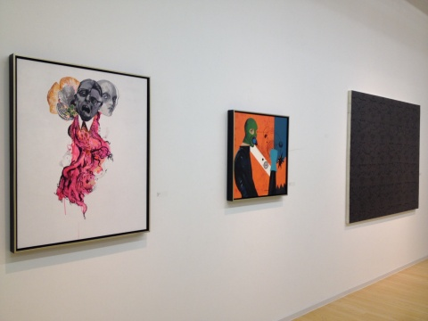 谢堃的作品(左一、左二)与李明的作品(左三)使用了观念艺术的表达