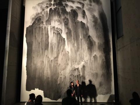 《山不厌高二》尺寸达到890×720cm