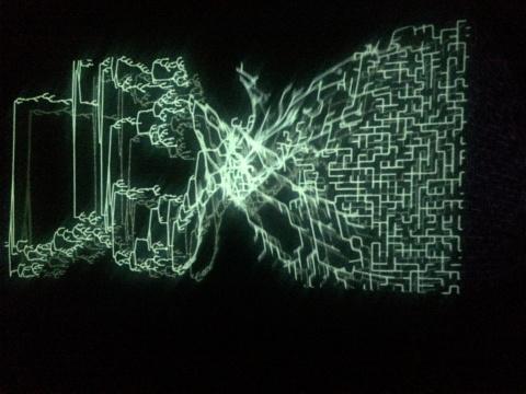 《运行中的异化之景》现场,线条的运动构成了流动的画面