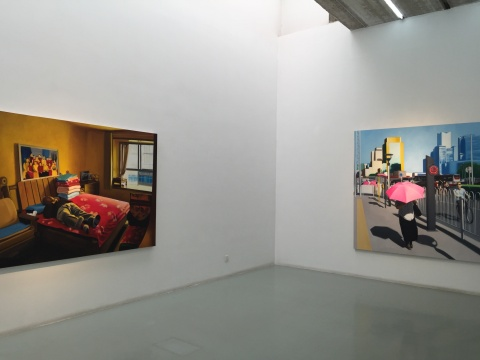 王远铮作品《睡觉中的老人》、《打伞的女人》