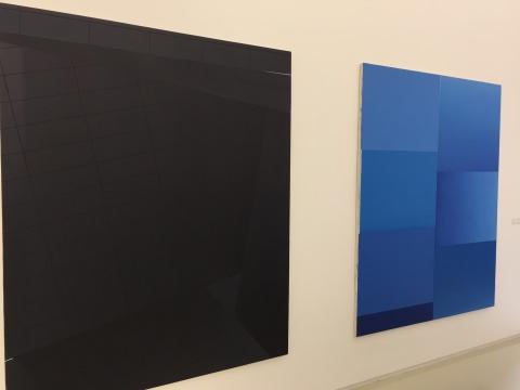 展览现场,德国艺术家恩里克·巴赫作品