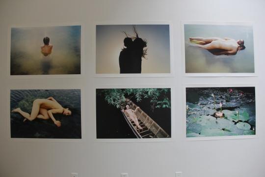 是由摄影集《dazai》中文版在中国的出版而催生的,展览展出了森山大道