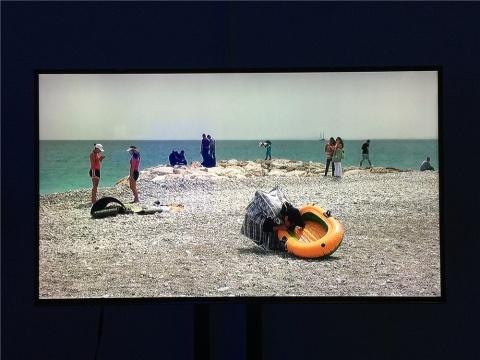 姚清妹2012年视频作品《漂流中的人》