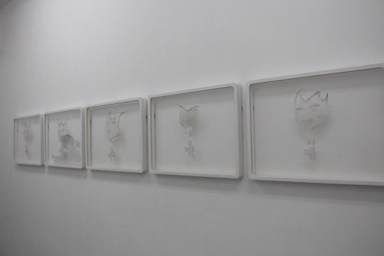 宋琨 《原是表情 嘻 哦 啊 咿 呜》系列 44.5×60cm 硫酸纸 铅笔 2013