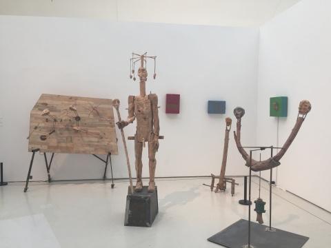 展览现场造型奇特、趣味性十足的展示作品