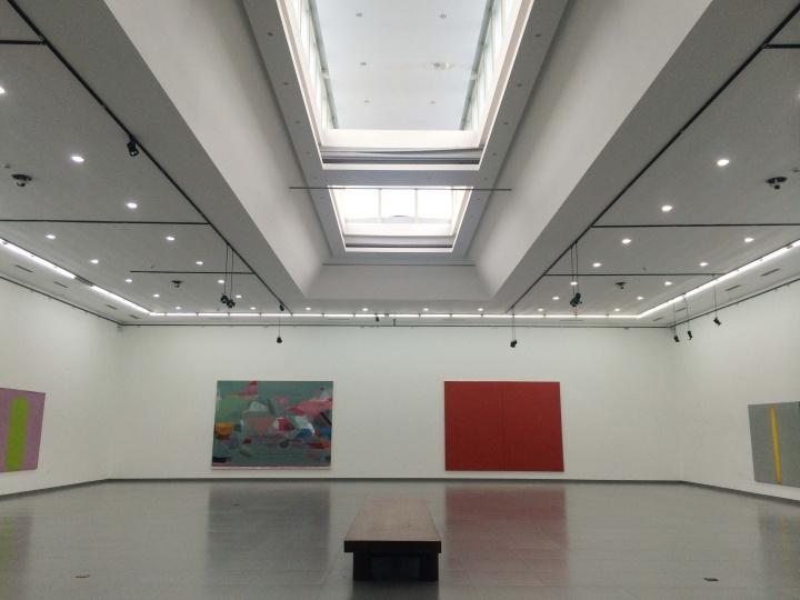 """2014年8月,考云岐在德山艺术空间连续推出三个以他个人藏品为主的""""中国抽象艺术案例展"""""""