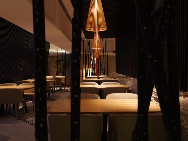 竹石材料的应用让墨池餐厅传统气息十足