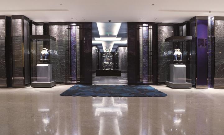 景泰蓝博物馆餐厅以蓝色和银色为主色调,雍容华贵