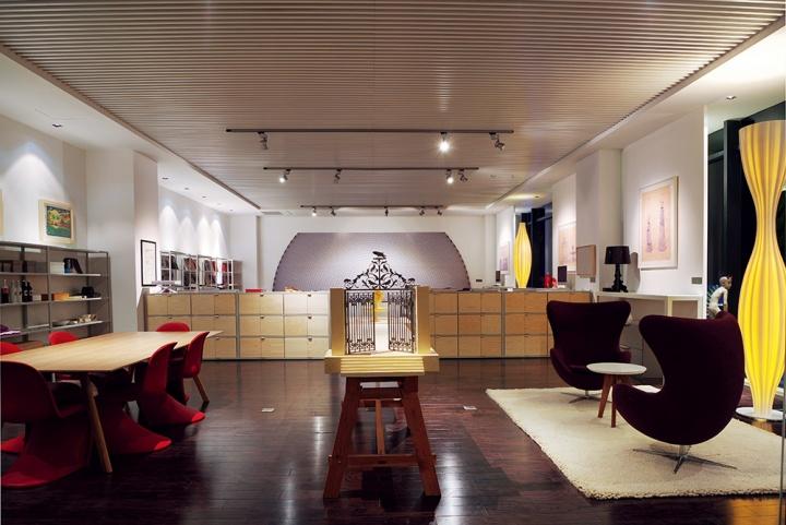 专门针对年轻艺术家及酒店艺术衍生品展示的艺术图书馆空间