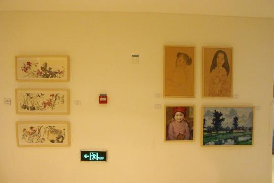 家长姚秦(右下)、姚震西(左)、黎冰颖(右上)作品