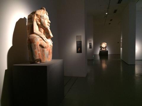 静穆的展厅令人仿佛置身博物馆