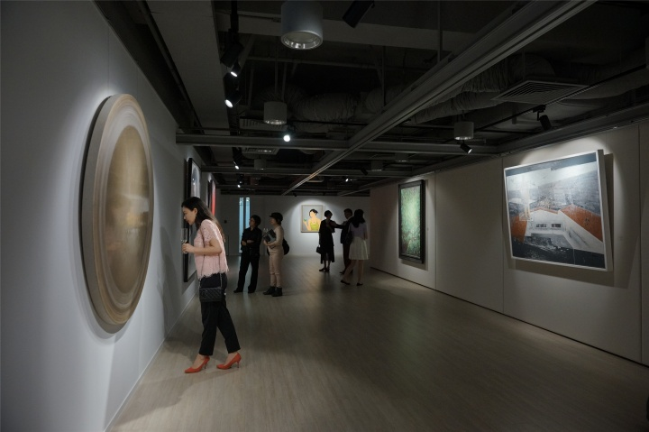 """""""目光所及·后金融危机时代的中国新绘画""""香港站展览现场"""