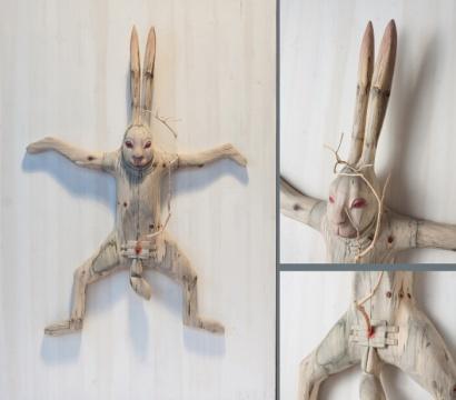【展望奖】陈文才 《致青春之三阉割》 雕塑:木、铁 45×158×120cm 广州美术学院 2014