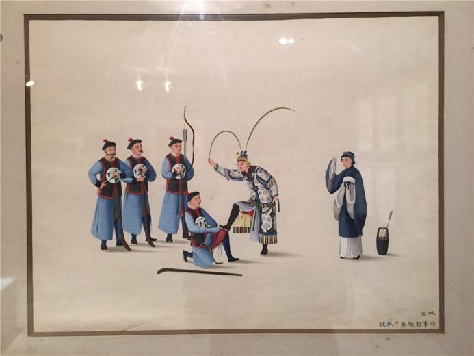 珮官(1890年代活跃于北京,擅长戏剧人物水彩画)作于1860年的纸本水彩《将军打猎第十九号》,人物衣冠、服饰、道具均采用西洋画明暗透视技法,构图也受到西方文艺复兴时期作品的影响,横向排列,朱武众多但主次分明,同时又具中国工笔重彩的味道