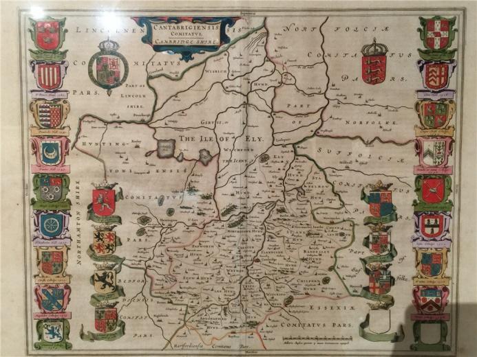 非常有特色的一张地图,琼.布劳作于1645年的铜板彩绘作品,四周以贵族徽章为装饰与象征,小天使、纹章盾以及花体字都极具艺术性,狮子象征王权,十字架在欧洲是教会的特殊标志,象征荣耀与功勋