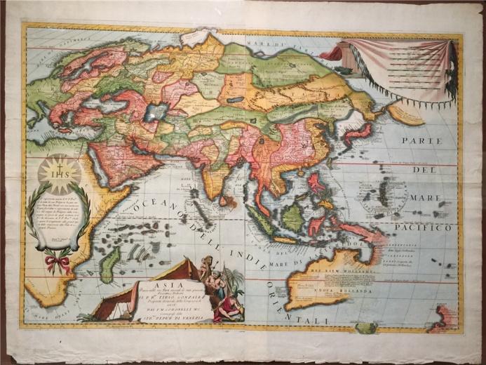 轮到亚洲地图了,文森.科洛内利作于1690年的铜版彩绘《亚洲地图》,耶稣会的会徽出现在地图左侧,明代以来耶稣会士是到中国最多的天主教传教士。