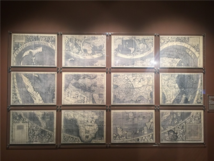 德国地图大师马丁.瓦尔德塞穆勒创作于18世纪 的作品:《根据托勒密传统方法绘制的世界地图》,此为复制品,原作藏于美国国会图书馆