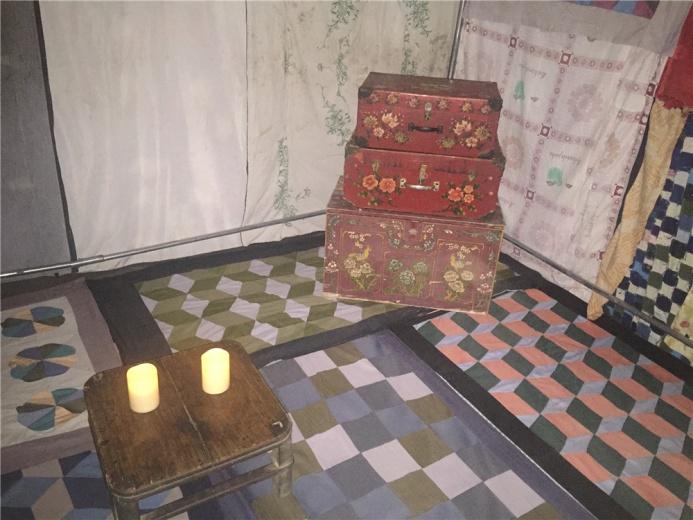 神秘小屋内部