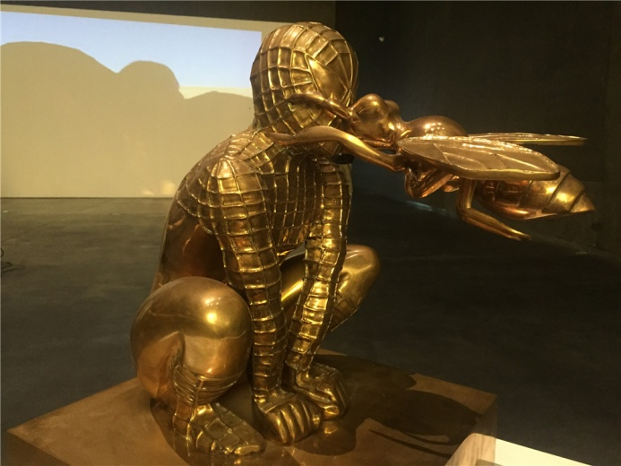 伊朗艺术家莫尔塔扎.扎赫迪 2011年铸铜作品《无名》