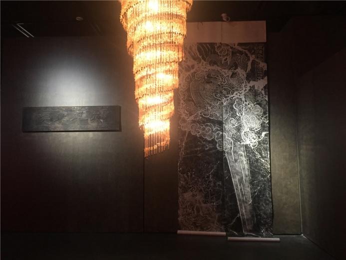 土耳其艺术家格努尔.那洪卢 2011年金属、有机玻璃作品《城堡》