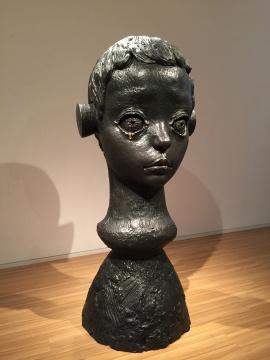 颜石林 《眼泪》 225 × 100× 100cm 铸铜化学着色 2015