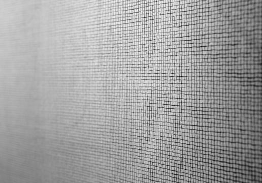 李华生作品《1241》局部这些墨线会使我们感觉出,有一个看不见的灵魂正在纸面上默默地呼吸