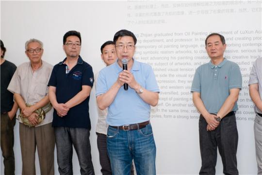 中央美术学院教授、殷双喜发言