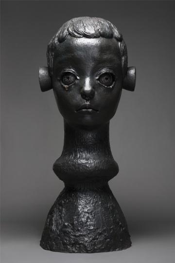 《眼泪》铸铜化学着色 225×100×100cm 2015