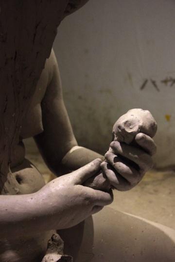 """梁硕 """"雕塑""""在今天活得有点苟且"""