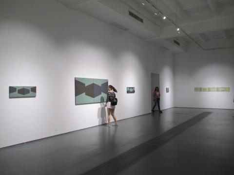"""蜂巢C展厅推出的是陈丽珠的个展""""空•间"""""""