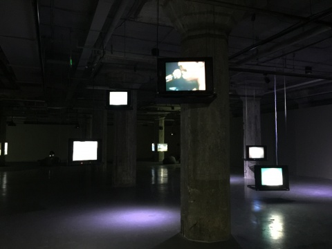 "OCAT上海馆""回放 — 皮埃尔•于贝尔电影与录像收藏""展览现场"