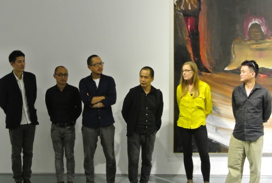 出席此次的艺术家从左至右依次是:谷泉、李飒、朱贤巍、马轲、由甲、徐赫