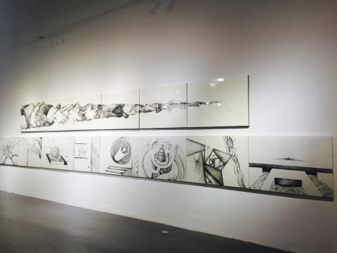 陈陈陈作品 纸本手绘作品《鱼鱼》(上)、针尖笔画《恶性循环》(下)