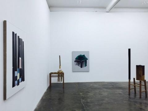 展览展出了艺术家苏向攀新近创作的十一件作品