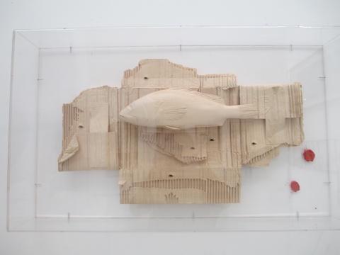 清华大学学美术学院 马文甲 《鯹》 41×11.5×69cm 椴木/玻璃艺术传承奖