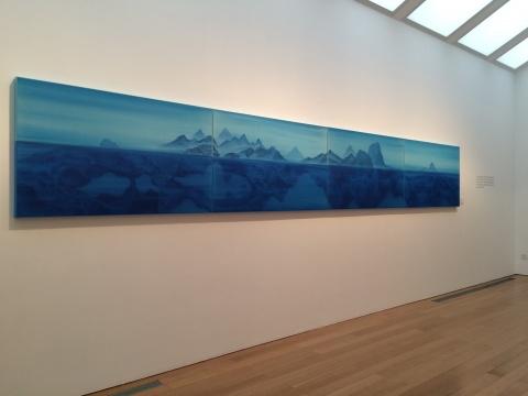 《天净沙》是徐累今年的新作,水上的山峦实境与水下的拓扑虚影,形成复象的节奏