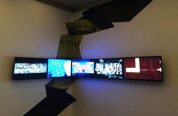"""特别推出的项目""""BLAST!"""",在最终征集的50件片子当中,甄选出8件获奖作品,并在上海当代艺术馆艺术亭台展出。"""