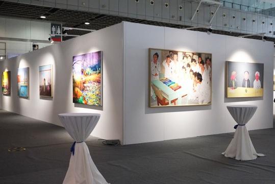 本次展出的 509件征集作品即是从全球 43 个国家和地区 7768 位艺术家的 2 万多件应征作品中脱颖而出。