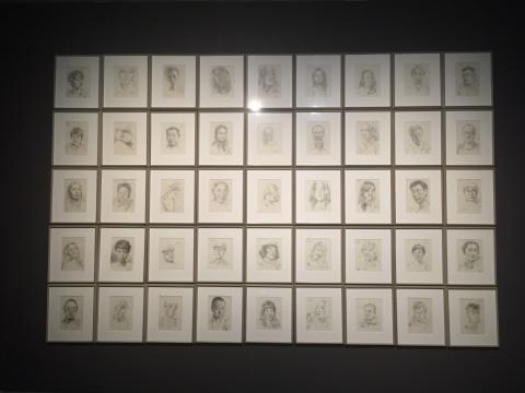 这些手稿都来源于庞茂琨朋友圈中的自拍