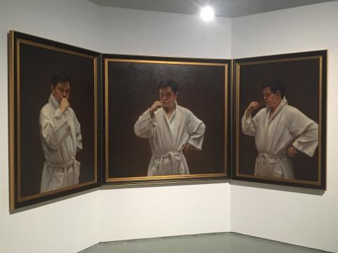 庞茂琨作品《子夜》,此次展览中自画像也是一大看点