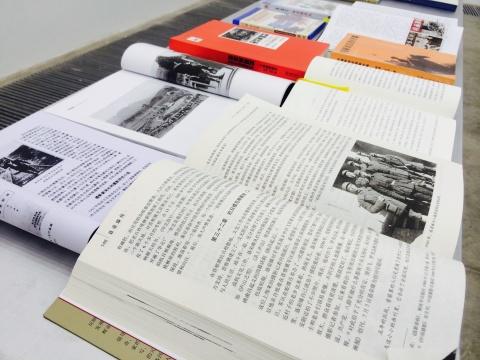 """关于""""白求恩""""的书本文献"""
