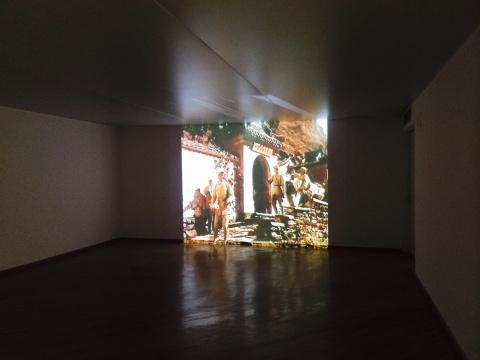"""两部关于""""白求恩""""的影视作品在展厅二层放映"""