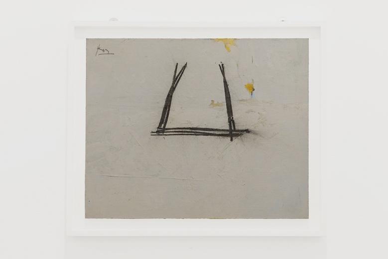 """艺术门此次展览更加强调了美术史的梳理,带来了写入美国现代艺术史的大家Robert Motherwell,这位出生在1915年艺术家基于哲学的修养转向了绘画的内部,并对同时代美国和欧洲艺术的对话产生了积极的作用。艺术门香港空间正在展出这位艺术家在亚洲首次大型个展,并在展览期间带来一件作品呈现于""""西岸""""也非常不易。据悉,此件作品的价格在33万美金,是画廊此次带来的最贵的作品。"""