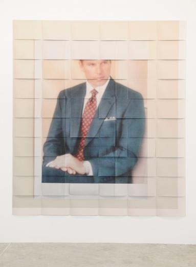 香港籍艺术家李杰的作品,将二次创作的照片按区域打印出来。被摆拍的模特怎么也没想到自己最终的呈现方式会是如此轻盈。