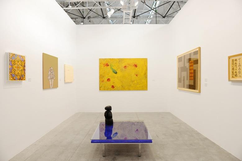 大牌云集的Ben Brown Fine Arts,无不让人为之振奋。2004年成立于伦敦上流住宅区梅费尔的心脏地带Brook\'s Mews,并于2009年在香港开设分支。其代理的中国艺术家包括陈维、蒋鹏奕。