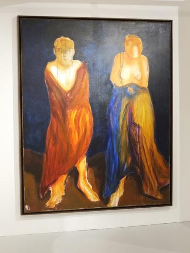 郭利伟的作品《寒袍》以强烈的精神性突出其中,用色大胆热烈,其中可以看到蒙克的用笔,也不失中国绘画的法度。大尺幅的价格在25万至30万不等。