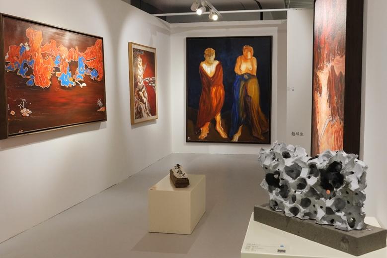 """崇真艺术网(TRUEART.COM)此次在""""艺术都市""""上带来TA计划项目,携3位艺术家的作品亮相其中。"""